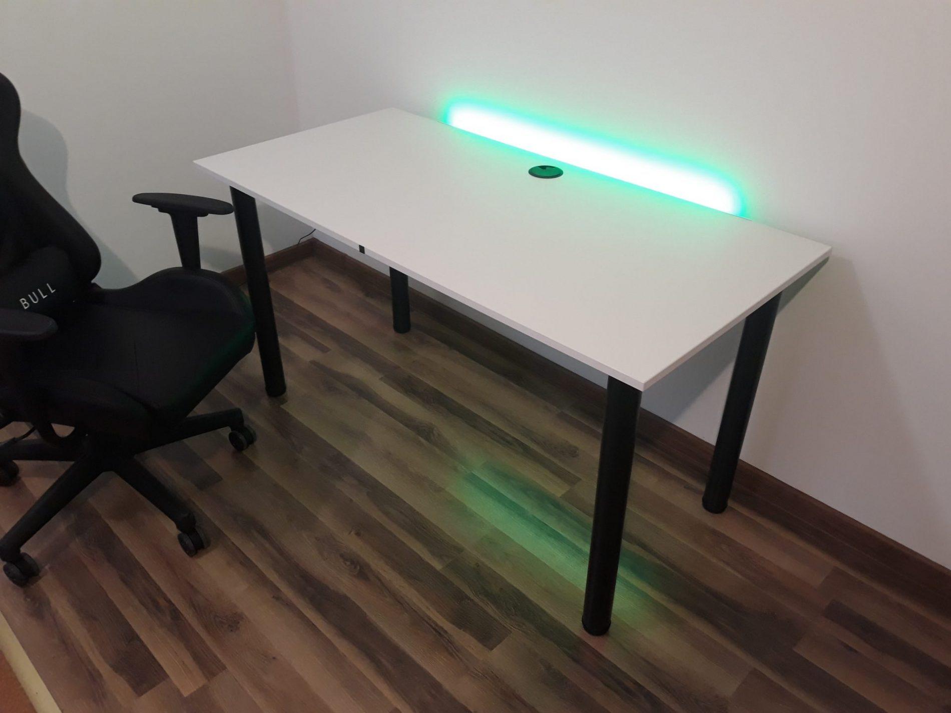 biurko białe z podświetleniem ledowym rgb