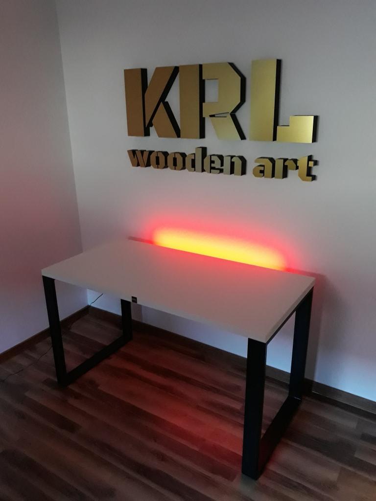 modne biurko gamingowe loft